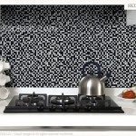 Black & White kitchen backsplash